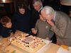 05-Het aansnijden van de taart.JPG
